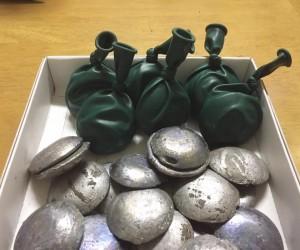 バルーンのオモリ生産